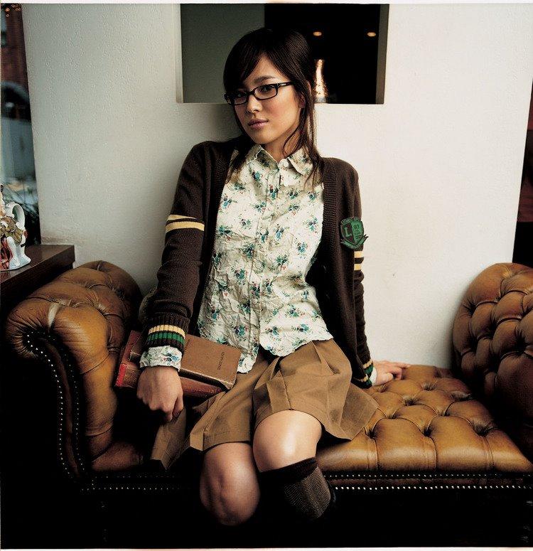 http://photos1.blogger.com/blogger/3803/742/1600/shglasses.jpg