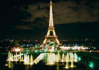 La Torre Eiffel on the night