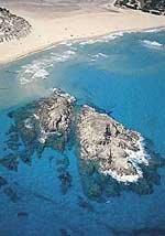 La splendida spiaggia Su Giudeu di Chia, nel sud della Sardegna