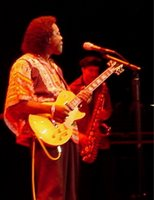 buddy guy playing a gibson goldtop guitar
