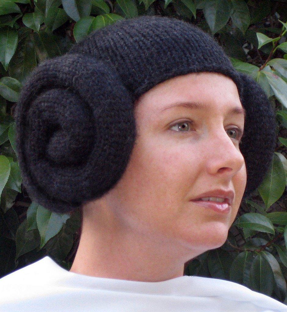 Bleu Arts: Knit Pattern: The Leia Wig