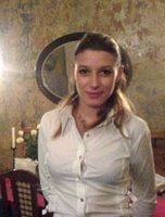 Келнерката од ресторанот Долмама