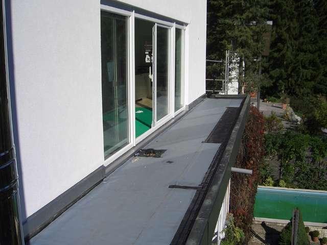 vellis sonnendeck von aussen fertig aber das dach. Black Bedroom Furniture Sets. Home Design Ideas