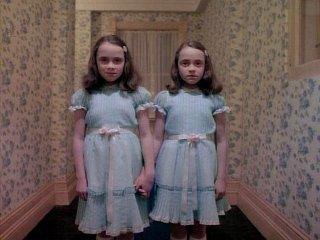 ...pero inquietantes gemelas...