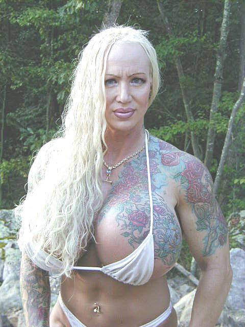 Toni braxton shows tits