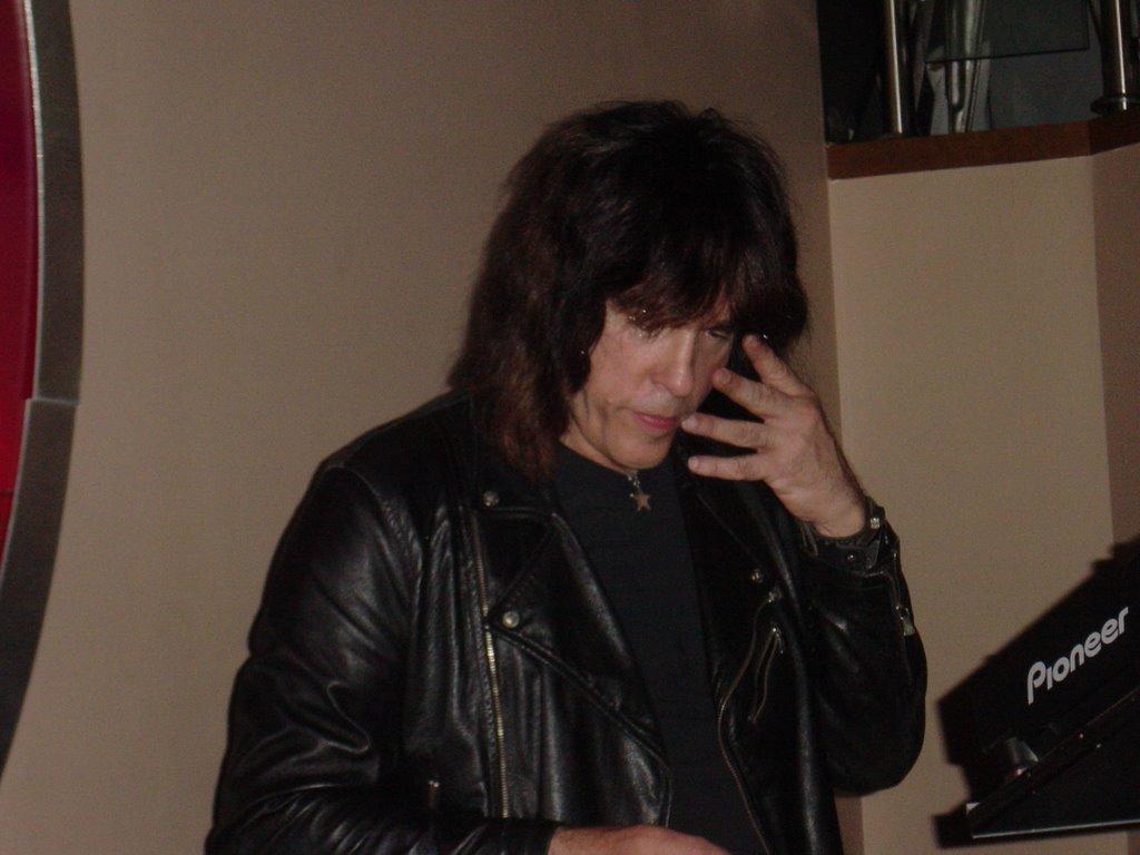 Ramone Wig 56