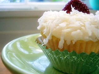 the unemployed cook: barefoot contessa coconut cupcakes