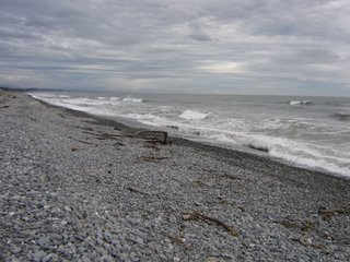 Photo by Rullsenberg: the Tasman Sea at Greymouth, South Island New Zealand