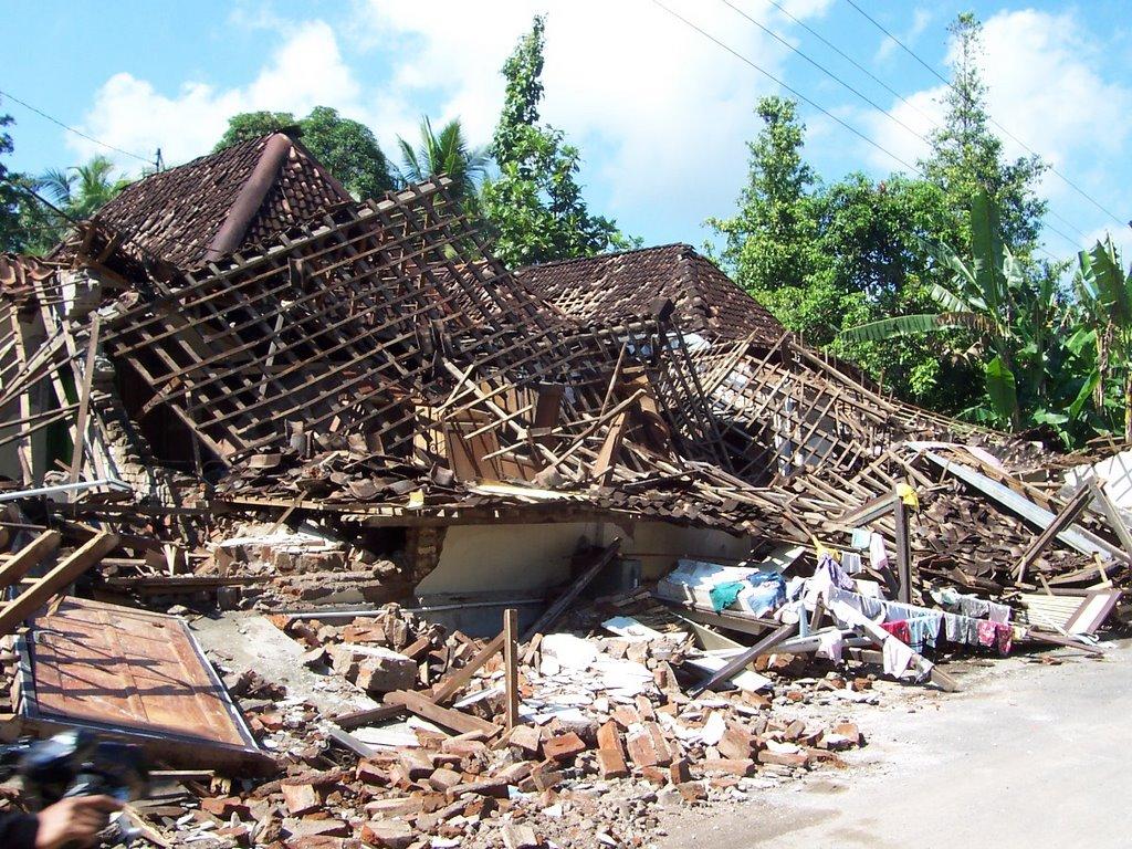 Akibat Gempa Jogja Menyusul Gempa Di Sorong