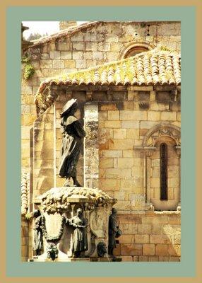 Mariano Belliure y Gil: Monumento a Obdulio Fernández (1927-1932). Detalle de la foto anterior: la armonía que produce la utilización de materiales nobles es lo que da coherencia a todos los elementos que conforman la plaza.