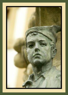 Mariano Belliure y Gil: Monumento a Obdulio Fernández (1927-1932). Cara del tamborilero, con mirada firme y desafiante y tocado con montera picona.