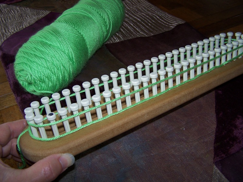 Long Tail Cast On To Knit Stitch : Off the Loom: long-tail cast on
