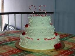 More goodies th wedding anniversary cake