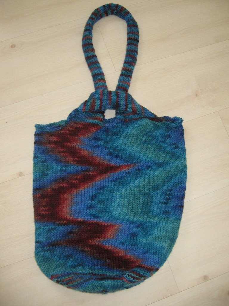 JAG Walden Knits: LUCY BAG with JJ MONTERA Handpainted yarn