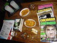 creo que las revistas las puso en la mesa por mí, y la de Harry Potter por Lore