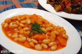 Pilaki baked beans