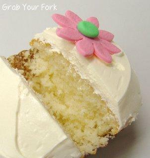 vanilla cupcake crumb