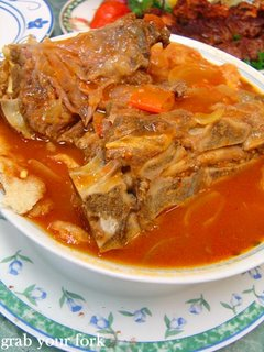 Lamb curry with bread stew