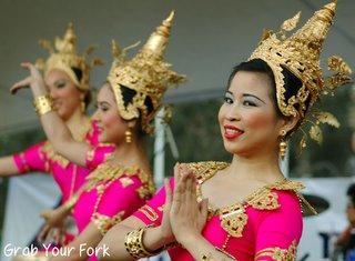 thai dancers 3