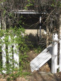 fallen gate