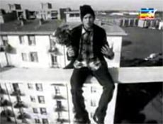 Jovanotti in the video 'Serenata Rap'