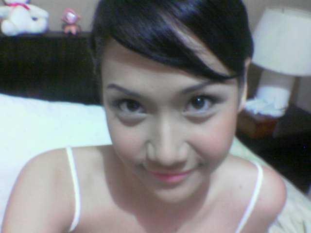 Sarah Azhari Hot Kamistad Celebrity Pictures Portal