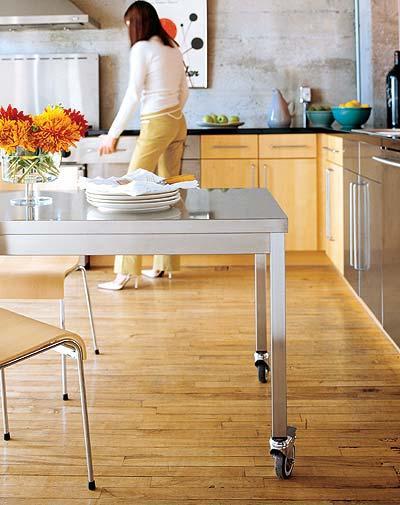 Superb Quovis Table