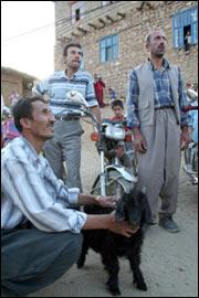 Köylülerin motosiklet tutkusu