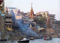 Varanasi - Olu yakma toreni