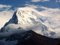 Annapurna-Guney (7273m)
