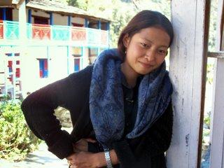Utangac Nepal kizi