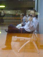 havaalanında beklerkene..