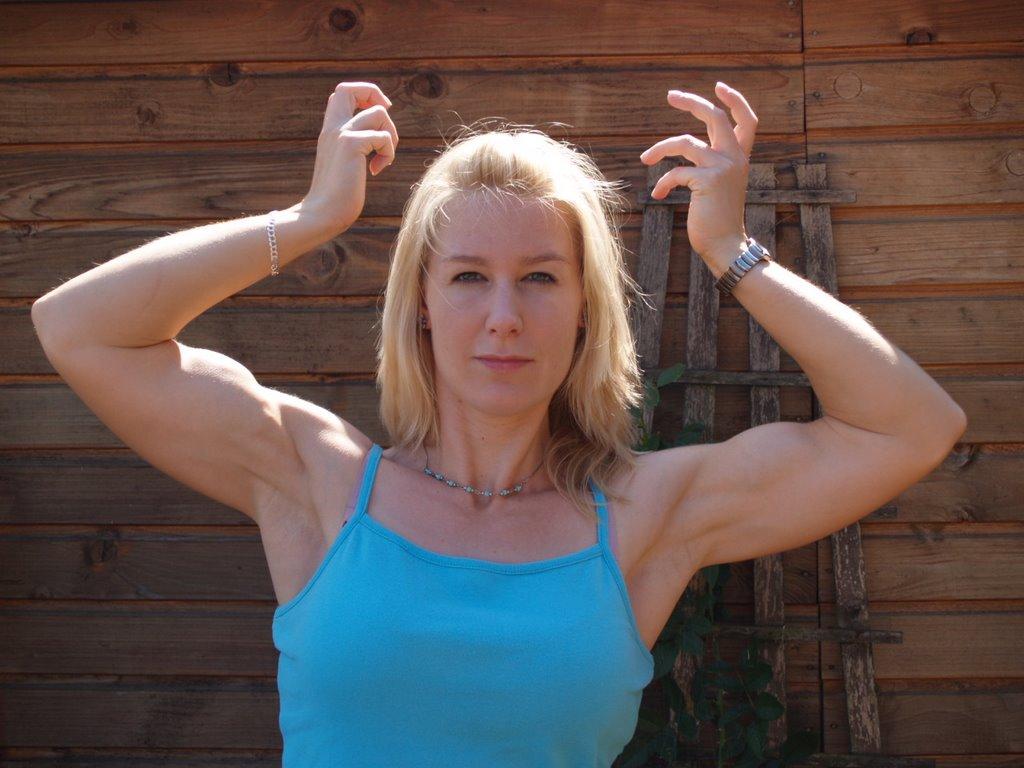 fitnessmodel-rebecca-schiwek: July 2006