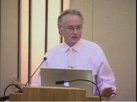 Richard DAWKINS parolanta dum konferenco en 2005