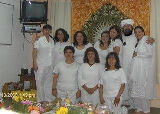 El Sheikh y el grupo de Iniciadas