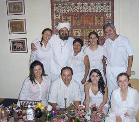 Grupo mixto de Hakims, magos de la tierra e iniciados por primera vez...