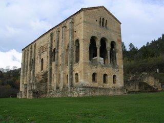 Santa María del Naranco (Oviedo) [Foto: Alejandro Pérez Ordóñez]