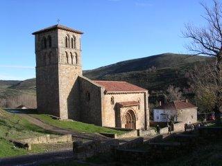 Colegiata de San Pedro en Cervatos (Cantabria)