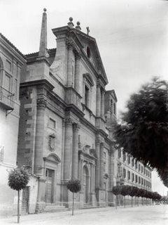 Iglesia de los Jesuitas de Alcalá de Henares. Foto del Archivo Moreno