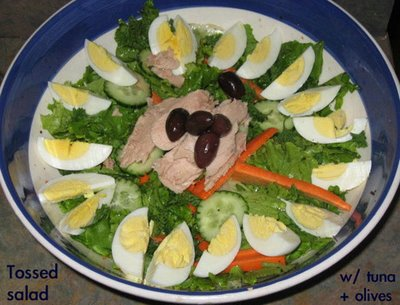tossed salad with tuna and olives