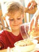 Niños - Desayunar  bien, para un buen rendimiento