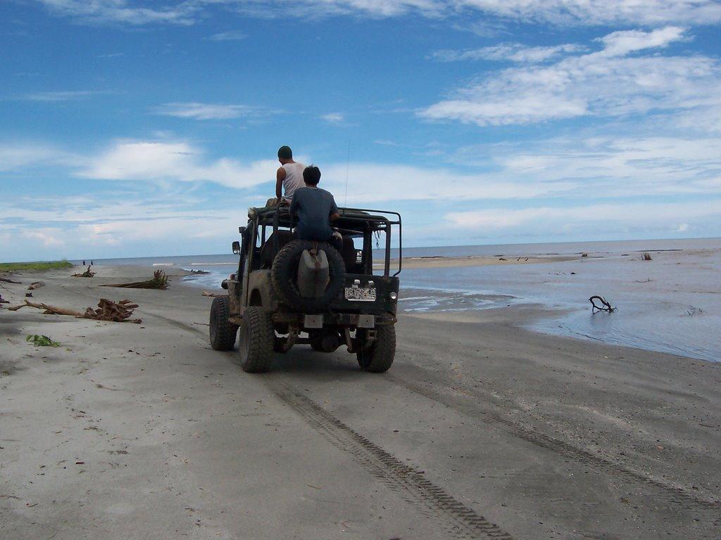 4-Wheel Adventure Indonesia