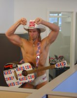 Naked Cowboy in dah house!