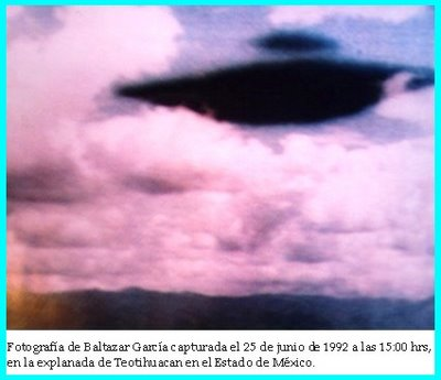 UFO at Teotihuacan 6-25-1992