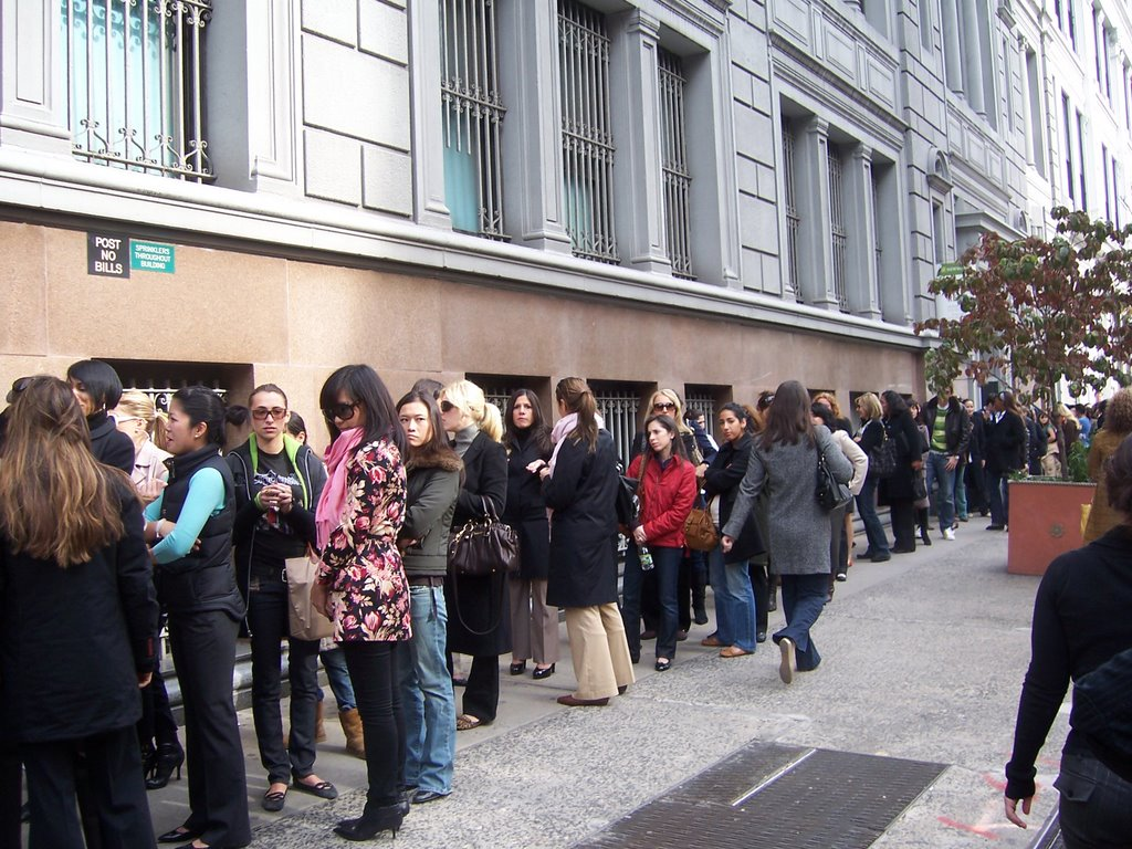 Jimmy Choo Sample Sale = Not a Good Look - Fashion Bomb Daily ...