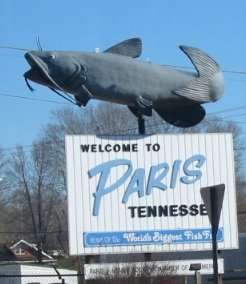 Knitowl living in paris tennessee our semi famous catfish sign o i only had one shot from the car the text says home of the worlds biggest fish fry publicscrutiny Choice Image