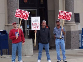 Locked-out Toledo Blade workers