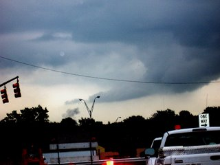 Wall cloud in Toledo, OH