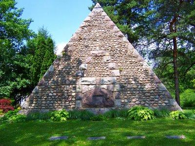 Toledo pyramid honoring John Gunckel