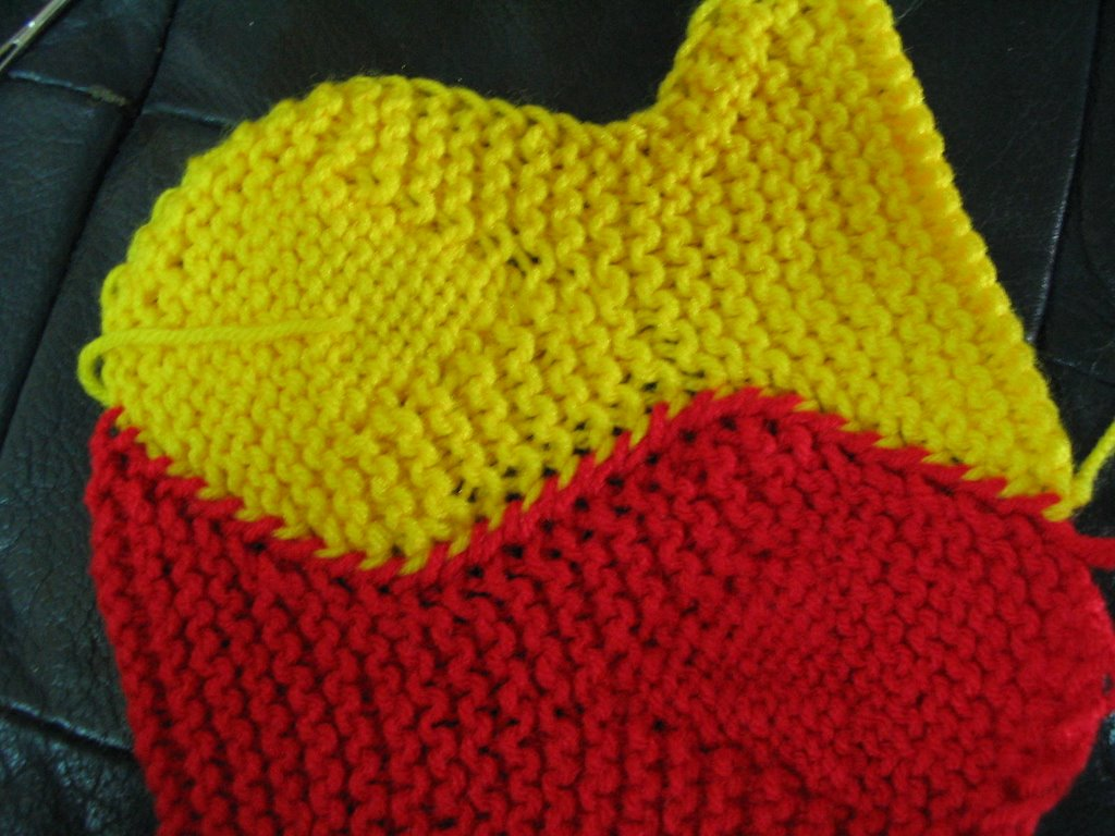 Cyn\'s Crochet & Knitting Corner: Tessalating Fish Afghan ....in Progress